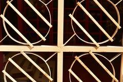 Geometrisk modell för bakgrund för abstrakt begrepp för design för metallfönsterspisgaller royaltyfri fotografi