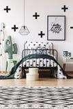 Geometryczny dywan w dzieciakach izbowych obraz royalty free