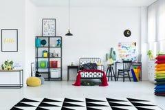 Geometryczny dywan w dziecka ` s pokoju zdjęcie royalty free