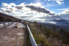 Geopark-Landschaft und Straße, Caceres, Spanien lizenzfreies stockfoto