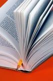 Geopend boek en potlood Royalty-vrije Stock Fotografie