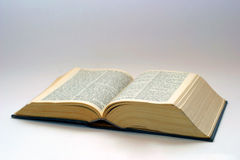 Geopend oud boek Stock Afbeelding