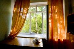 Geopend plastic venster royalty-vrije stock fotografie