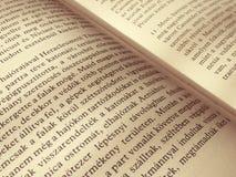 Geopende boekachtergrond dicht omhoog Royalty-vrije Stock Afbeelding