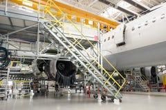 Geopende compartimenten in vliegtuigfuselage Stock Afbeelding
