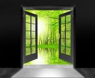 Geopende deur voor mooie zonsopgang. Royalty-vrije Stock Fotografie