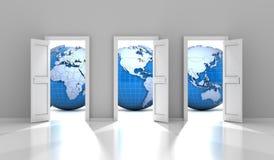 Geopende deuren die tot verschillende delen van de wereld leiden Stock Afbeeldingen