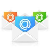Geopende Envelop met Kleurrijk Document Blad Royalty-vrije Stock Foto's