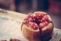 Geopende granaatappel Royalty-vrije Stock Afbeelding
