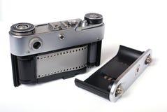 Geopende rugdekking van de oude camera van de fotofoto Stock Afbeeldingen
