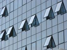 Geopende vensters in de bureaubouw Royalty-vrije Stock Afbeeldingen