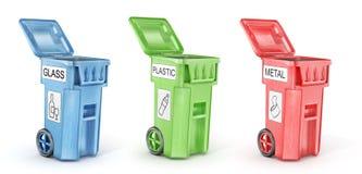 Geopende vuilnisbakken voor afval het sorteren Stock Fotografie