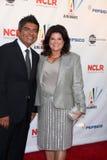 George et Anna Lopez arrivant chez ALMA Awards 2009 Photographie stock