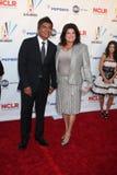 George et Anna Lopez arrivant chez ALMA Awards 2009 Photographie stock libre de droits