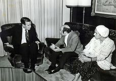 George H W Bush engagiert sich in Natan Sharansky lizenzfreies stockbild
