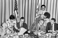 George H W Bush och Shimon Peres Foster American-Israeli Diplomacy Royaltyfria Foton