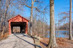 George Hutchins Covered Bridge in Charles Alley Nature Park stock photography