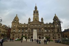 George Square en Glasgow City Chambers stock foto's