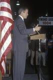 George W Bush die van podium bij campagneverzameling spreken, Laconia, NH, Januari 2000 stock fotografie