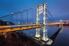 George Washington Bridge på skymning Royaltyfri Foto