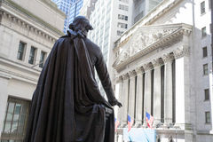 George Washington observing the New York Stock Exchange building Stock Images