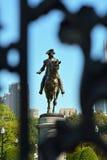 George Washington Statue da porta de Arlington imagens de stock