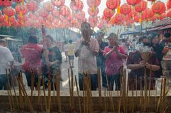 GEORGETOWN ÅR för DAG för PENANG-/MALAYSIA—MÅNAD: Kines firar Arkivfoto
