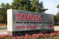 GEORGETOWN KY-CIRCA JANUARI, 2015: Ingång till Toyota största fabriks- komplex förutom Japan Växtens 8.000 emplo Royaltyfri Bild