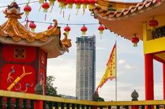 GEORGETOWN, MALÁSIA - 18 DE JANEIRO DE 2016: uma opinião do close up do templo de Hean Boo Thean Kuanyin Chinese Buddhist em molh imagem de stock