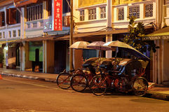 Georgetown, Penang, Malaysia - 18. April 2015: klassische lokale Rikschas in George Town, Penang in Malaysia Stockfotografie