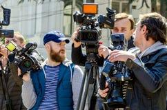 Georgië, Tbilisi, April 2017: - cameralieden geschotene video over e Royalty-vrije Stock Foto