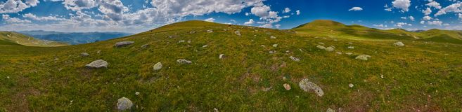 Georgia высокое в панораме ландшафта гор Стоковая Фотография