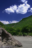Georgia berg och flod Fotografering för Bildbyråer