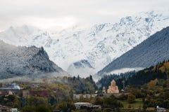 Georgia berg Svaneti och Kazbegi Arkivbilder