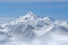 Georgia. Caucaso. Supporto di Shdavleri da Elbru Immagine Stock