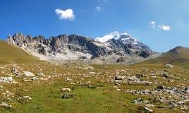 Georgia Caucasus Mountains Titnuld Royaltyfri Foto
