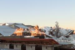 Georgia Dome взорвано и рушится на себе в Атланте Стоковые Изображения