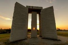 Georgia Guidestones bij zonsondergang Royalty-vrije Stock Afbeeldingen