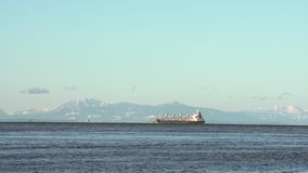 Georgia Strait Freighter Vancouver BC 4K UHD vídeos de arquivo