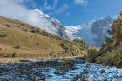 georgia Svaneti Glaciär Adishi - Lardaad Arkivfoto