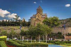 Georgia Tbilisi - Metekhi-Tempel lizenzfreies stockbild