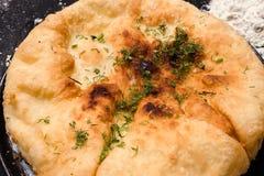 Georgische keuken klaar gemaakte khachapuri Royalty-vrije Stock Foto's