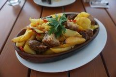 Georgische Schweinefleisch-Kartoffeln stockbilder