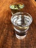 Georgischer Wodka chacha Honig und klassisch im Café stockbild