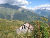 Georgiska berg - Svaneti (det gamla huset) Arkivfoton