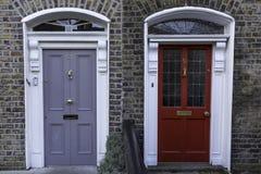 Georgiska dörrar Arkivfoto