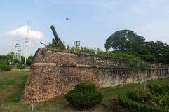GEORGTOWN, PENANG, MALEISIË - APRIL 18, 2016: De muur van fortcornwallis withn en canon, Zuidoost-Azië Royalty-vrije Stock Fotografie