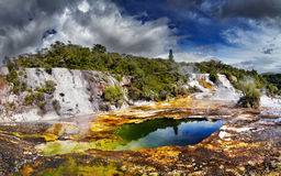 Geotermal κοιλάδα Korako Orakei Στοκ Φωτογραφίες