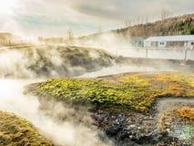 Geotermico dello stagno della sorgente di acqua calda in Islanda Immagine Stock