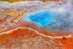 Geotermiczna aktywność z gorącymi wiosnami, Iceland Obrazy Royalty Free